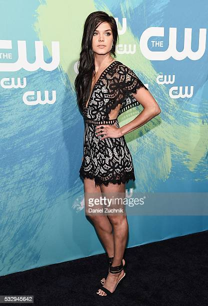 Feet marie avgeropoulos 25 Unseen