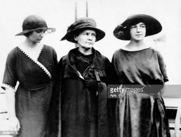 Marie Curie with her daughters Irene and Eve in 1921 in United Sates