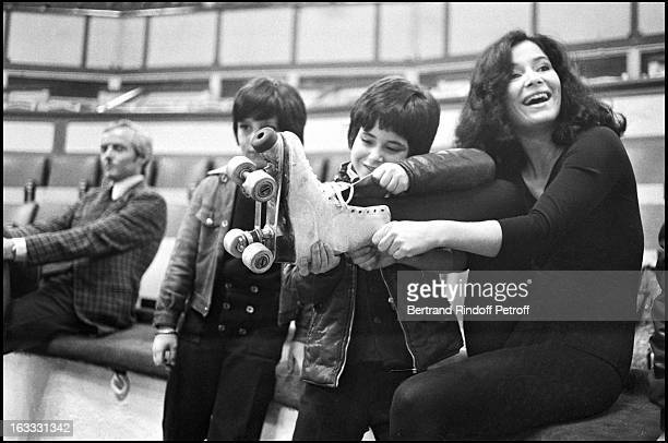 Marie Jise Nat with her sons David and Julien Drach during rehearsals of Artists Union Gala's 1973