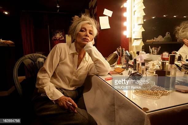 Marie Laforet Plays The Callas. Paris - 29 octobre 2008 --- Marie LAFORET fumant une cigarette dans sa loge du Théâtre de Paris. Elle interprète...