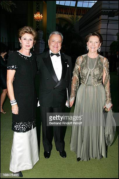 Marie Louise De Clermont Tonnerre Maurice Segoura and Daniele Ricard 23rd antic fair in Paris followed by a dinner to the benefit of the foundation...
