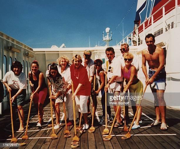 Marie Luise Marjan MS Astor Shuffleboard Passagiere Kreuzfahrt Karibik Amerika Schiff Kreuzfahrtschiff Deck Schauspielerin Promis Prominente...