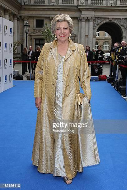 Marie Luise Marjan Bei Der Verleihung Der Goldenen Feder In Der Handelskammer In Hamburg