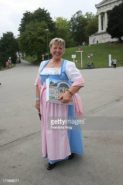 Marie Luise Marjan Bei Regines Damenwiesn Beim Oktoberfest In Der Schützenfesthalle In München