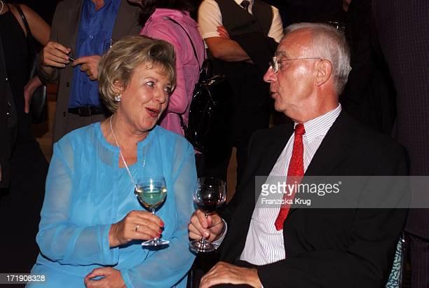 Marie Luise Marjan Und Ard Vorsitzender Fritz Pleitgen Bei Der 'Ifa Eröffnungsgala' In Berlin Am 250801