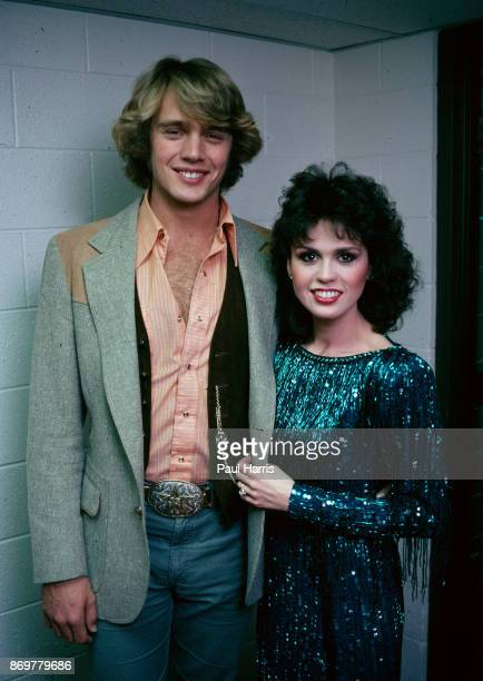 Marie Osmond and John Schneider meet and perform a duet at the Children's Miracle Network Telethon November 28 1983 Telethon Los Angeles California