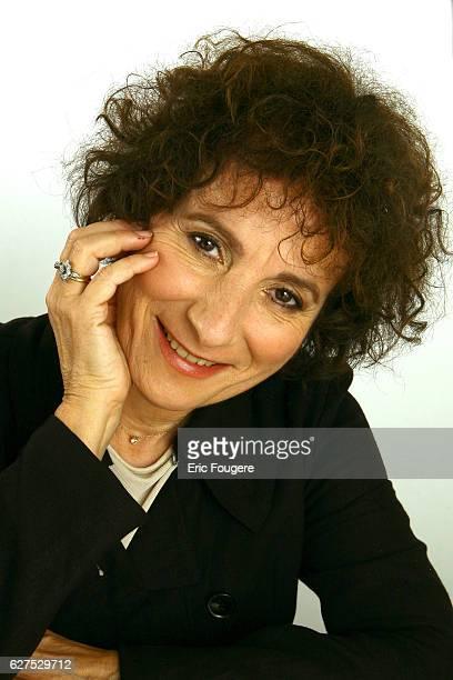 Marie Paule Belle on the set of TV show Les Grands du Rire