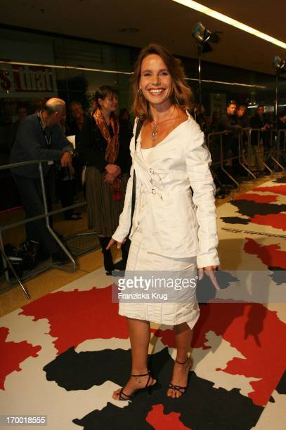 Marie Theres Relin At The Premiere Of The Fisherman And His Wife In Mathäser cinema in Munich