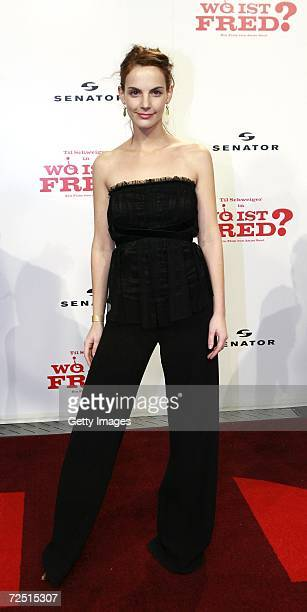 Marie Zielcke arrives for the premiere of ''Wo ist Fred'' at the Sony Center on November 12 2006 in Berlin Germany