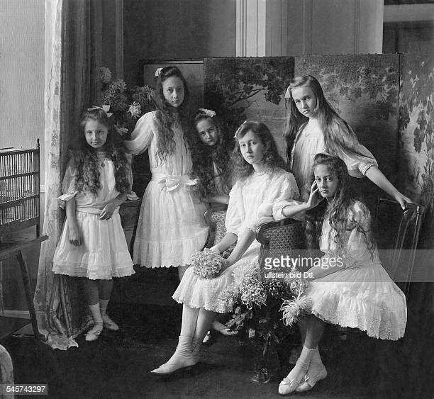 MarieAdelaide Grand Duchess of Luxembourg *14061894 with her sisters date unknown around 1910 photo by Franz Grainer