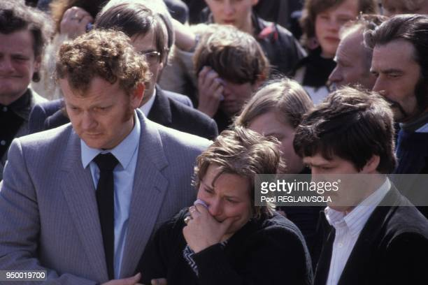 MarieAnge Laroche aux obseques de son epoux Bernard abattu par JeanMarie Villemin le 2 avril 1985 a Jussarupt France