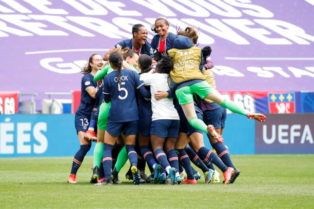 FRA: Olympique Lyonnais v Paris Saint-Germain - UEFA Women's Champions League Quarter Final: Leg Two