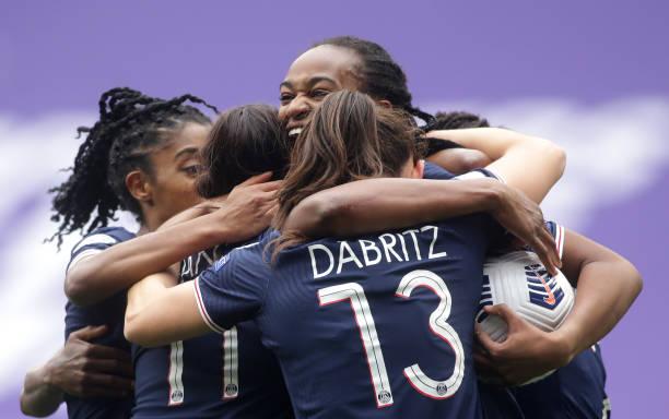 FRA: Olympique Lyonnais v Paris Saint-Germain - UEFA Women's Champions League Quarter Final: Leg Two