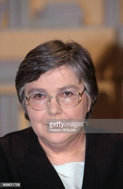 MarieDanielle Pierrelée directrice de collège le 5 mars 1999 à Paris France