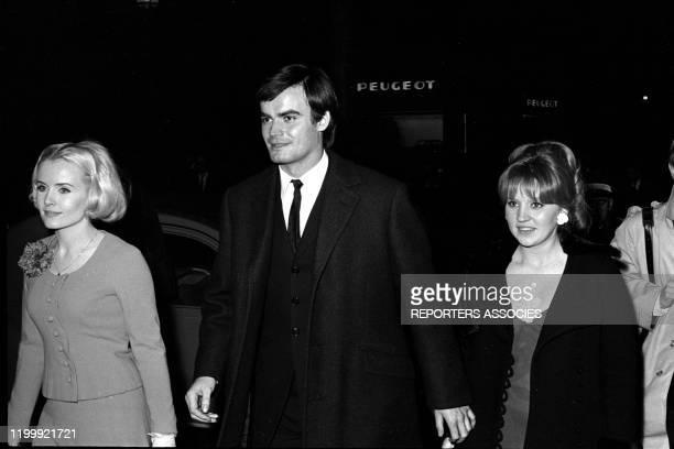 MarieFrance Boyer JeanClaude Drouot et sa femme Claire lors de la première du film 'Le Bonheur' à Paris le 23 février 1965 France