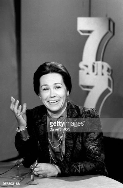 MarieFrance Garaud sur le plateau de l'émission '7/7' sur TF1 le 13 mai 1984 à Paris France