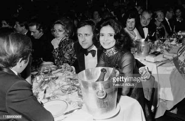 MarieJosé Nat et son mari Michel Drach lors d'une soirée au Moulin Rouge à Paris le 8 avril 1970 France
