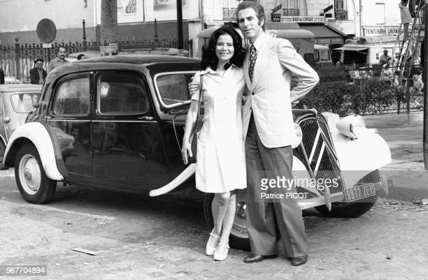 MarieJosée Nat et Jacques Chazot sur le tournage du film 'Les violons du bal' réalisé par Michel Drach le 16 aout 1973 àParis France