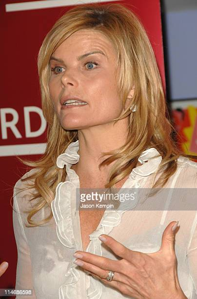 Mariel Hemingway during Mariel Hemingway InStore Appearance For Her New Book 'Healthy Living From The Inside Out' January 4 2007 at Borders Bookstore...