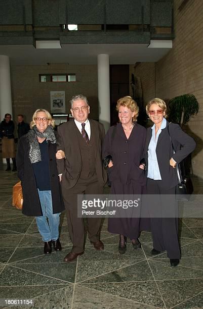 Mariele Millowitsch, Schwester Dr. Katarina Eisenlohr, Bruder Peter Millowitsch, Schwester Susanne Millowitsch, Kölner Rathaus, Standesamt, Köln,...