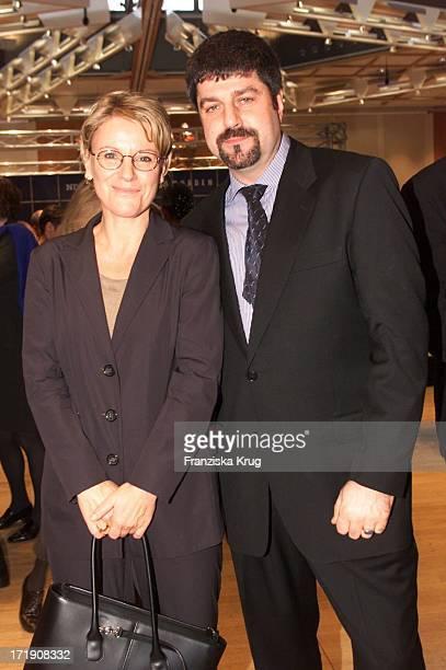 Mariele Millowitsch und Ihr Freund Alexander Isadi Bei Jahresempfang Des Ndr In Hamburg Am 011100