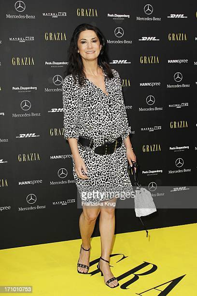 Mariella Ahrens Gräfin Von Faber Castell Bei Der Ankunft Zur Eröffnungsveranstaltung Der Fashion Week 2011 In Berlin Opening Night By Grazia Auf Dem...