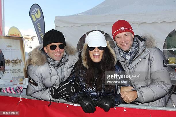 Mariella Und Ehemann Graf Patrick Von Faber-Castell Und Bernhard Bettermann Beim 2. Promi Schlittenhunderennen Tirol Cross Mountain In Kühtai .