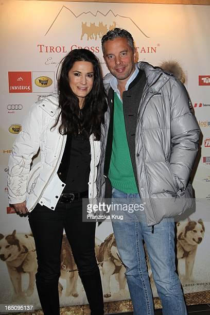 Mariella Von Faber Castell Mit Ehemann Florian Beim 2 Tirol Cross Mountain Promi Husky Rennen In Der Alpenrose In Kühtai