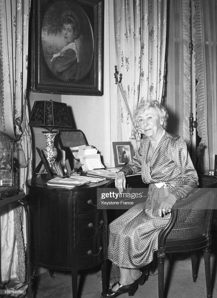 Marie-Louise Beck dans sa suite à Paris : Photo d'actualité
