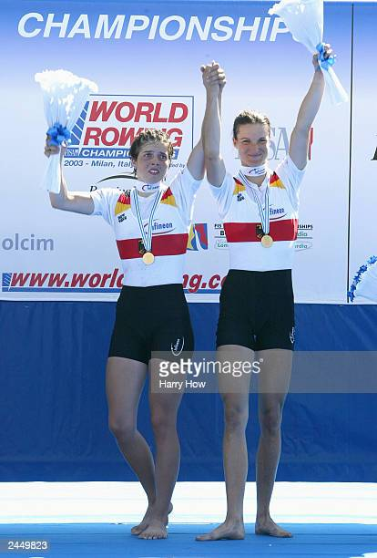 Marie-Louise Draeger and Claudia Blasberg of Germany pose with gold medals in the Lightweight Women Double Sculls Final during the World Rowing...