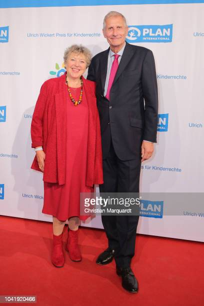 MarieLuise Marjan and Ulrich Wickert attend the Ulrich Wickert and Peter SchollLatour award at Bar jeder Vernunft on September 27 2018 in Berlin...