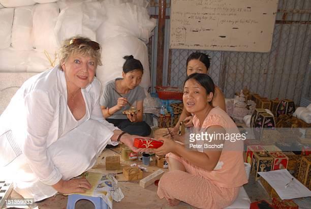 MarieLuise Marjan einheimische Frauen SteinschnitzerZentrum Kids Stone PlanHilfsprojekt für Straßenkinder Besuch P A T E N K I N D von MLMarjan Hanoi...