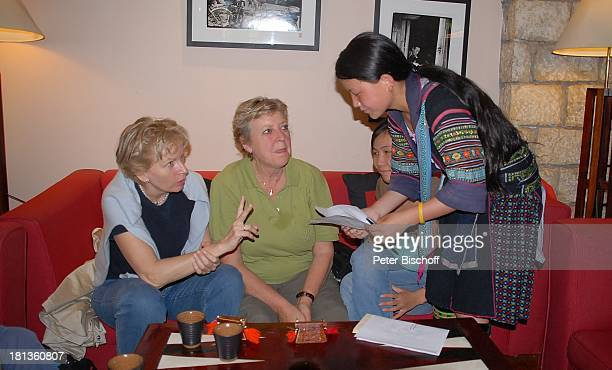 MarieLuise Marjan Marianne Monika Raven Reiseleiterin Ma Ya Li Thi Gia Besuch P A T E N K I N D von MLMarjan Hotel Viktoria Sapa Vietnam Asien...