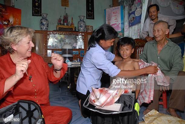 MarieLuise Marjan Nguyen Thi Du Sohn Chu Van Son Besuch von vietnamesischem P a t e n k i n d von MLMarjan Ngoen Village Provinz Tien Luc Vietnam...