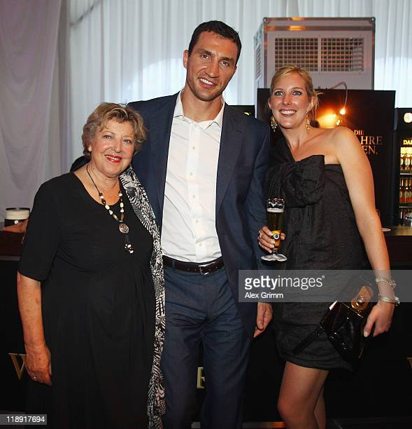 MarieLuise Marjan Wladimir Klitschko and EvaCatharina Cramer pose during the Media Night of the CHIO on July 12 2011 in Aachen Germany