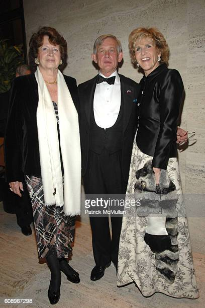 MarieMonique Steckel Le Vicomte de Rohan and AnneMarie de Ganay attend FRENCHAMERICAN FOUNDATION GALA DINNER at The Four Seasons Restaurant on...