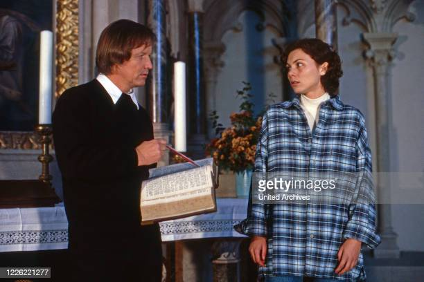 Marienhof Fernsehserie Deutschland 1992 2011 Darsteller Jürgen Fliege Caroline Grothgar