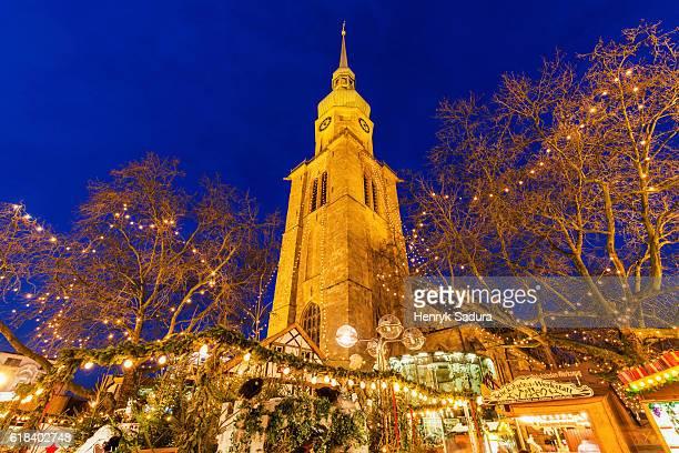 marienkirche in dortmund during christmas - dortmund città foto e immagini stock