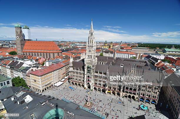 marienplatz and town hall - new town hall munich stock pictures, royalty-free photos & images