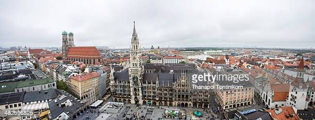 marienplatz (new town hall) - new town hall munich stock pictures, royalty-free photos & images