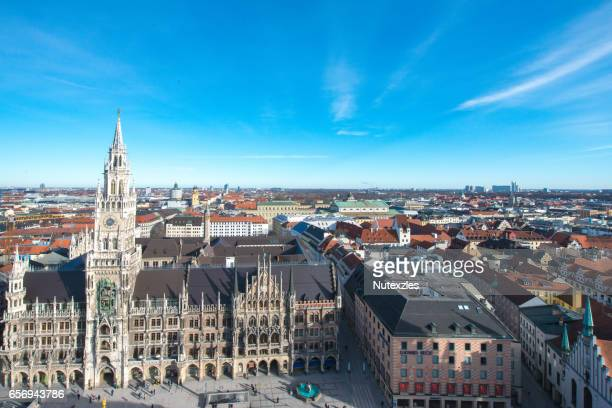 marienplatz town hall and frauenkirche in munich, germany - new town hall munich stock pictures, royalty-free photos & images