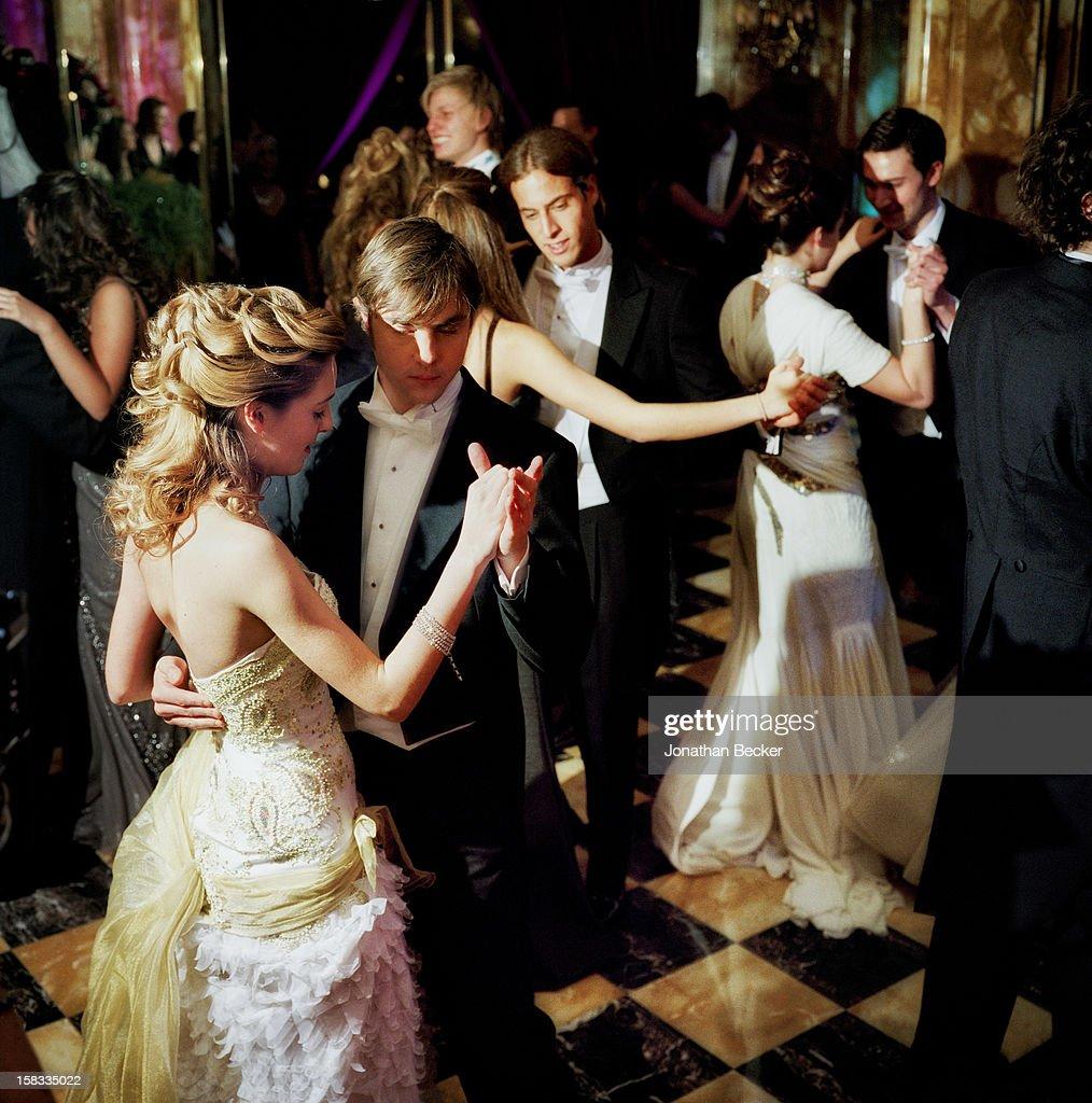 Crillon Debutante Ball, Vanity Fair, March 1, 2008 : News Photo