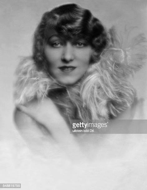 MarieThe Morel Actress nee Mathis Portrait with a feather boa undated Photographer Mario von Bucovich Published by 'Die Dame' 07/1928 Vintage...
