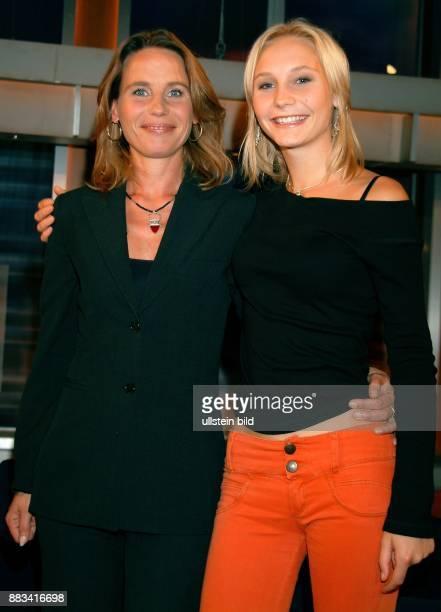 MarieTheres KroetzRelin Schauspielerin D mit Tochter Josephine
