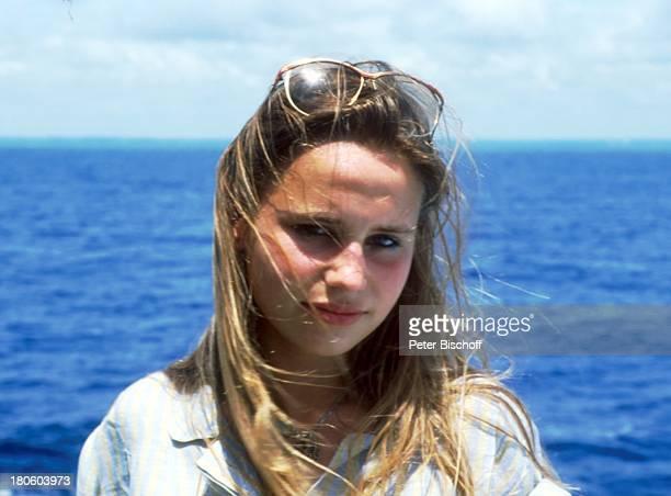 MarieTherese Relin Dreharbeiten zu ZDFSerie 'Traumschiff' II Staffel Folge 7 Episode 3 Titel 'BordBekanntschaften' Meer Schauspielerin Promis...