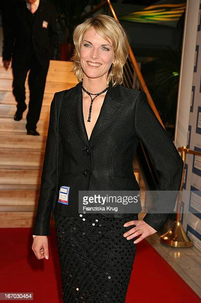 """Marietta Slomka Bei Der Verleihung Des """"Deutschen Medienpreis"""" An U2_Sänger_Bono Im Kurhaus In Baden Baden Am 240106 ."""