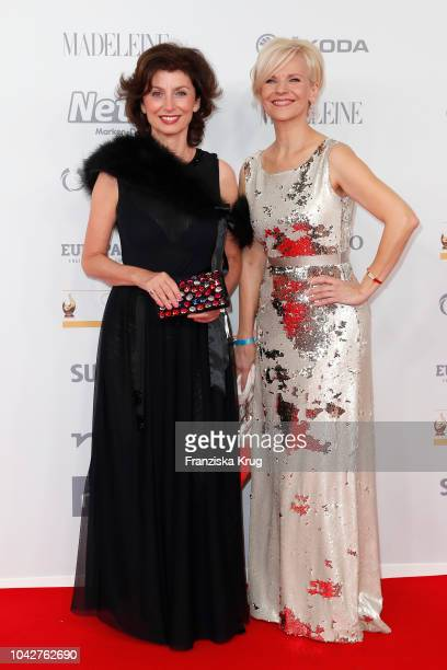 Marijam Agischewa and Andrea Kathrin Loewig attend the Goldene Henne on September 28 2018 in Leipzig Germany