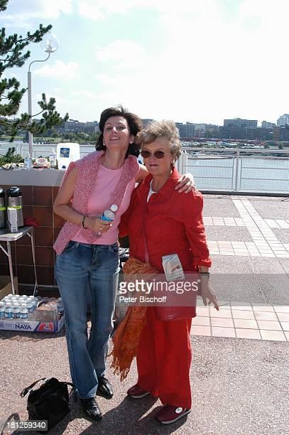 Marijam Agischewa Katrin Dröge am Rande der Dreharbeiten zur ZDFReihe Traumschiff Folge 50 Vancouver British Columbia Kanada Schauspielerin Promis...