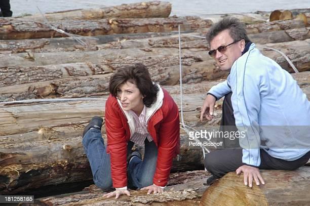 Marijam Agischewa Teammitglied ZDFReihe Traumschiff Folge 50 Episode 3 Eine Mutter ein Sohn und Victor Pitt Maedows Vancouver British Columbia Kanada...