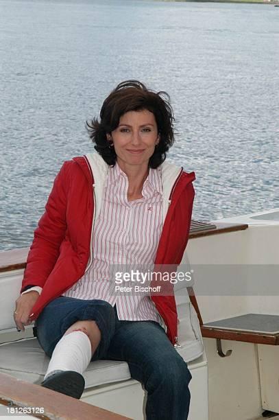 Marijam Agischewa ZDFReihe Traumschiff Folge 50 Episode 3 Eine Mutter ein Sohn und Victor Vancouver British Columbia Kanada Schiff Boot Yacht...